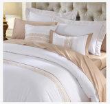 イタリアのホテルのサテンステッチの白い羽毛布団カバー従来の羽毛布団カバー