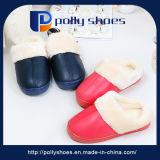 Material de PU chinelos para a Família casa acolhedora chinelos