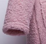 カラーおよびベルトが付いているベルベルの羊毛のバスローブ