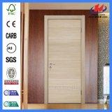 Покрашенная отлитая в форму дверь дизайна интерьера Prehung деревянная полная