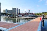 La plataforma flotante de madera cubiertas de plástico Compoiste Diseño de la estructura de acero de aluminio Pontón dique flotante