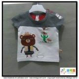 Il bambino pettinato del cotone copre le magliette del bambino del O-Collo