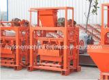 Машина делать кирпича ручной машины блока цемента Qt40-2 конкретная