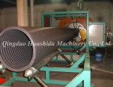 Структура HDPE трубы на стене машины экструдера