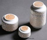 De holle uit Witte Ceramische Lantaarn van het Onweer voor de Decoratie van het Huis
