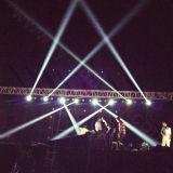 Discoteca escenario Sharpy 230W moviendo la cabeza haz de luz LED 7r