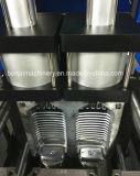Botella de agua pura semiautomática que hace la máquina que sopla