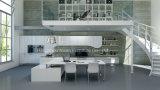 小さい台所単位のアパートのプロジェクトのラッカー白い台所食器棚