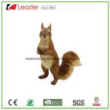Figurine dello scoiattolo di Polyresin per gli ornamenti domestici del giardino e della decorazione
