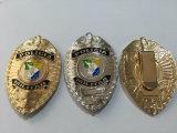銀製のめっきの警察は記章を付けるカスタム軍隊のバッジ(GZHY-BADGE-010)に