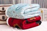 Élans couvrants de /Baby de couverture d'ouatine de Sherpa estampés par polyester