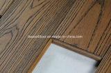 ワイヤーによってブラシをかけられるこはく色の灰の純木のフロアーリング