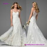 Klassisches Einfachheits-Hochzeits-Kleid mit Tasten werfen die Rückseite nieder