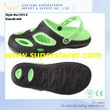 La qualité neuve de modèle a assuré des chaussures du jardin d'EVA des hommes Holey durables d'entraves