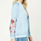 Кофточка куртки краткости сатинировки вышивки Rose способа повелительниц