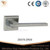 Traitement en alliage de zinc et en aluminium de levier compétitif de porte sur Rose (Z6175-ZR05)