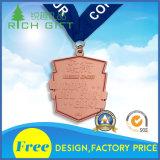 """Médaille d'argent antique avec la bande et la lettre noires de «Yukan """""""