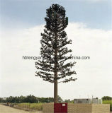 Torre de antena celular camuflar da palmeira do mastro de uma comunicação