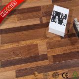 сбывание настила ламината древесины 12mm темное