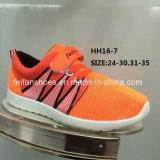 Ботинки комфорта идущих ботинок тапки впрыски детей (HH16-7)