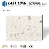 Couleur simple blanche en gros bon marché avec peu de brames artificielles de pierre de quartz de miroir en verre