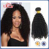 La parte superior calidad de color natural virgen cabello rizado el rizo brasileño de extensión de cabello humano.