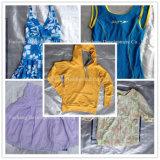 Balles de vêtement utilisé mélangé, tissu utilisé une pente pour le marché africain (FCD-002)