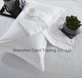 Lecho blanco llano de lujo del hotel del satén fijado con el borde de los 5cm