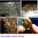 飴玉の生産ライン(GD300)を満たすチョコレート中心