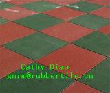 Los deportes de la gimnasia de la fuente reciclan el azulejo de suelo de goma, azulejo de goma del patio al aire libre/estera de goma del suelo que se enclavija/azulejos de goma coloridos