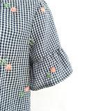 Женщины лета одевая короткой сплетенную втулкой кофточку втулки пирофакела вышивки