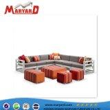 Insieme sezionale del sofà del tessuto con Loveseat ed i coperchi dell'ammortizzatore di sede del sofà