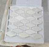 カラーラの白い大理石のモザイク・タイルの白い大理石のモザイク