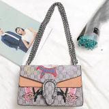 새 모델 자수 패턴 고명한 상표 디자이너 어깨에 매는 가방 Emg5179를 가진 가죽 숙녀 핸드백