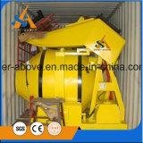 Auto dos projetos modernos que carrega o misturador concreto com a inclinação do cilindro