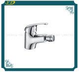 Escolhir o Faucet cromado do Bidet do banheiro do punho núcleo cerâmico
