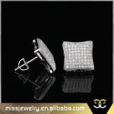 Plaza de desgaste diario 14K Gold Diamond Earrings para los hombres Mjce032