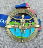 De uitstekende kwaliteit Verwijderde Antieke Medaille van het Messing