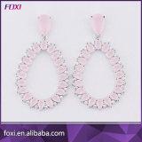 Boucles d'oreille en pierre roses de Huggie de modèle de fleur de mode