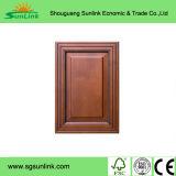 PVCはShouguangのMDFのコアキャビネットドアに直面した