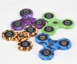 De nieuwe Hete Kleurrijke Stijlen friemelen de Spinners van de Vinger