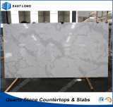SGSのレポート(Calacatta)を用いるカウンタートップのテーブルの上のための人工的な水晶石の建築材料