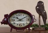 Antigüedades decorativas vintage de metal de forma de cerdo rojo reloj de mesa