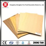 El papel de grano de madera laminado hpl
