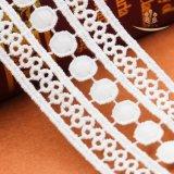 Disegni chimici del merletto del poliestere del commercio all'ingrosso della fabbrica di Guangzhou per il merletto dei vestiti