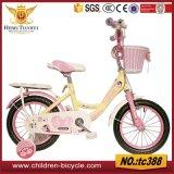 La bicyclette en gros de bébé d'enfants joue le vélo en plastique bon marché de gosses de panier
