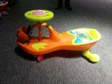 O passeio dos miúdos do rolo do carro da torção no presente ao ar livre do balanço do jogo do Wiggle caçoa o carro