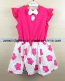 シフォンによって作られる短い袖の女の子の服の子供の着ること