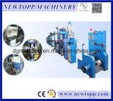 Máquina de formação de espuma química expulsando do cabo da Espuma-Pele do uso