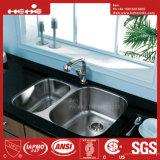 ステンレス鋼の台所の流し、台所洗面器、Cupcは台紙の倍ボールの台所の流しの下でステンレス鋼を承認した